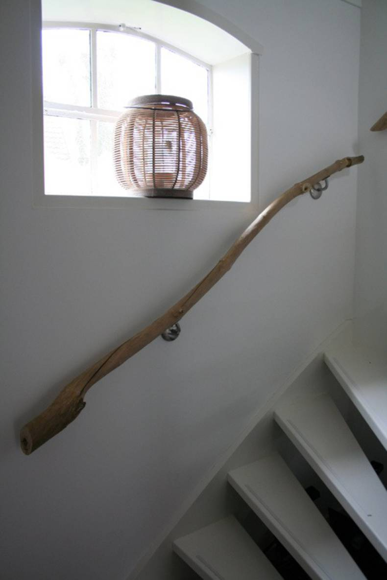 Branches as a handrail for your stairs