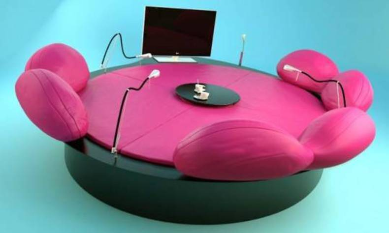 Future Systems Sofa by Jan Kaplicky