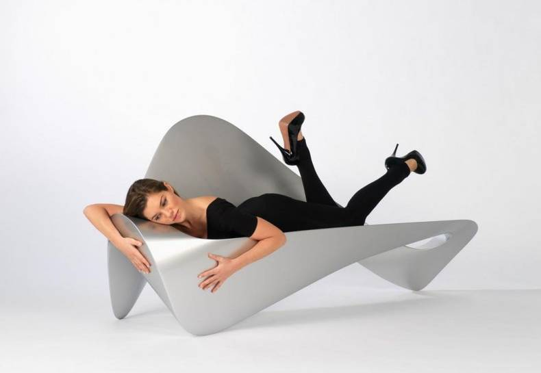 Form Follows Function Sofa: All Functions From A Single Line