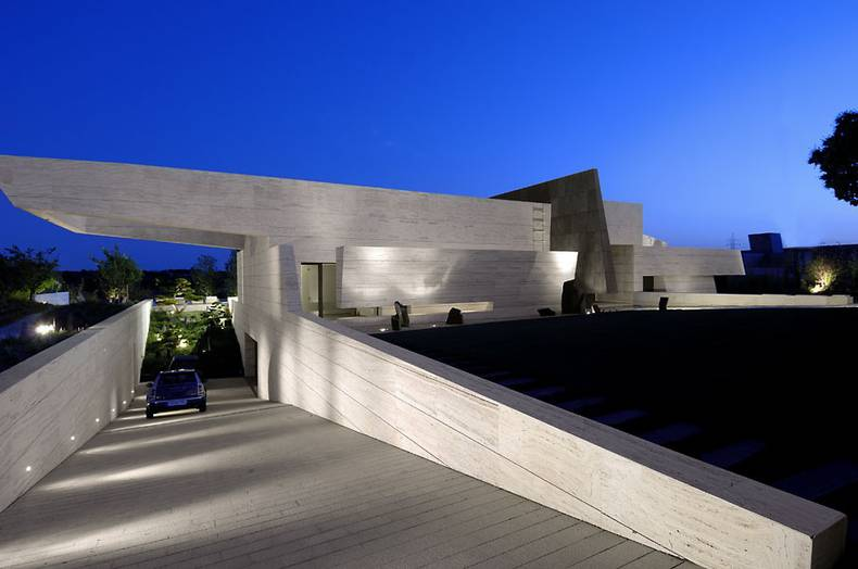 Luxury design by A-Cero – House 10 in Madrid