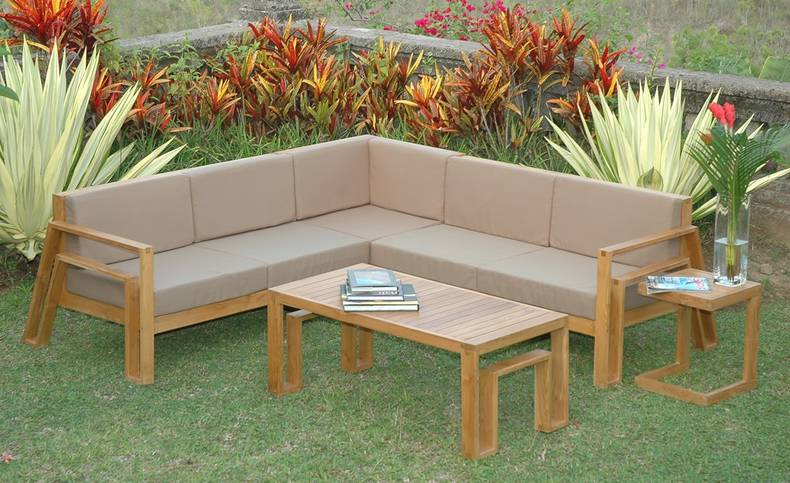 Weatherproof Furniture for Your Outdoor Living Space