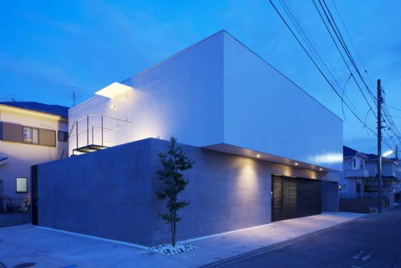 Shift House by Apollo Architects & Associates