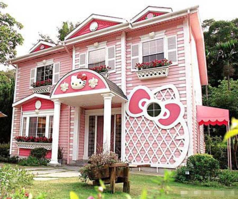 The House Of A Dream Coloured Pink: Hello Kitty Theme
