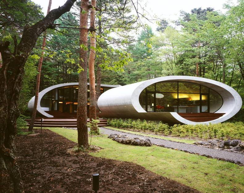 The Shell House in the Forest by ARTechnic Architects