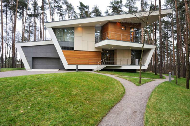 Contemporary Gorki House by Atrium