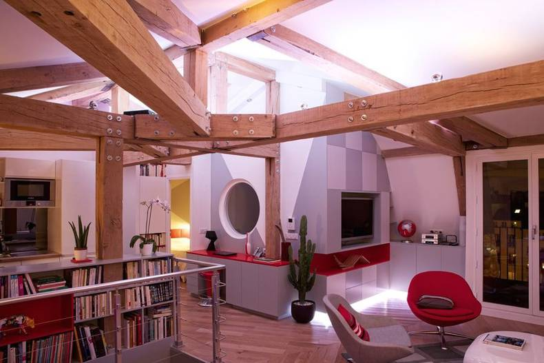 Le Loft des Innocents by Frédéric Flanquart: Bright Renovated Interior