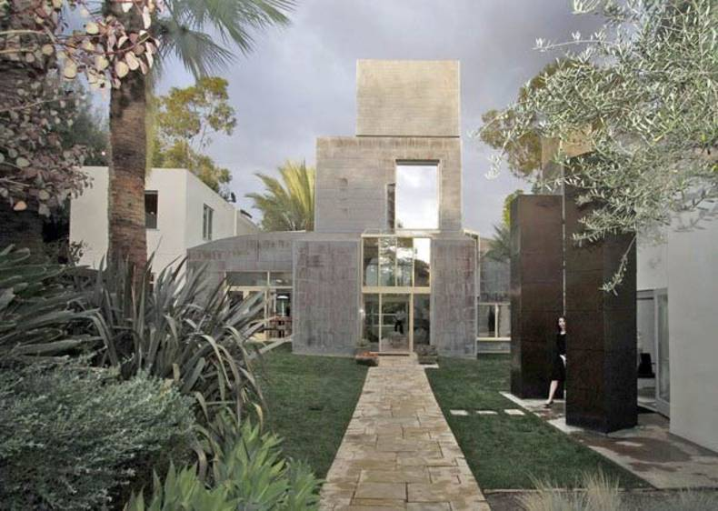 Gorgeous Schnabel House by Frank Gehry