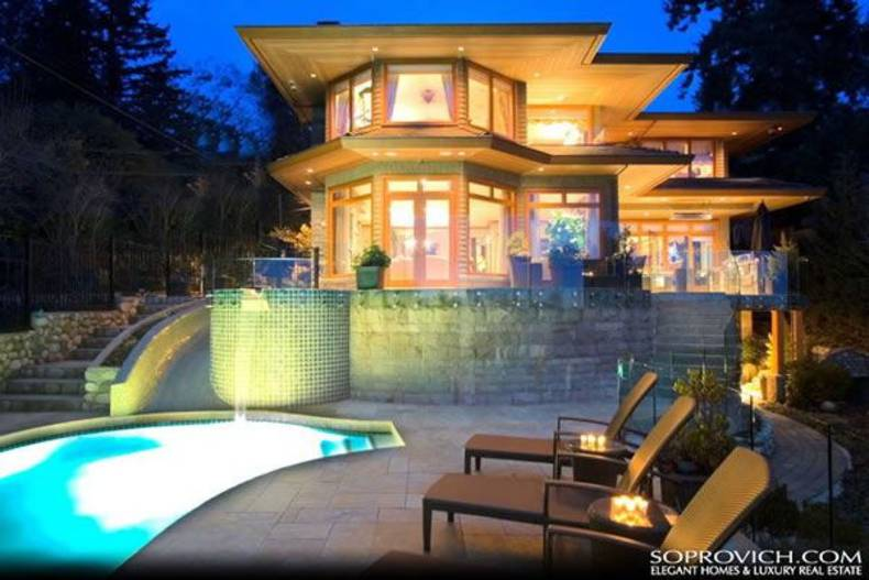 Beautiful Waterfront House in Vancouver