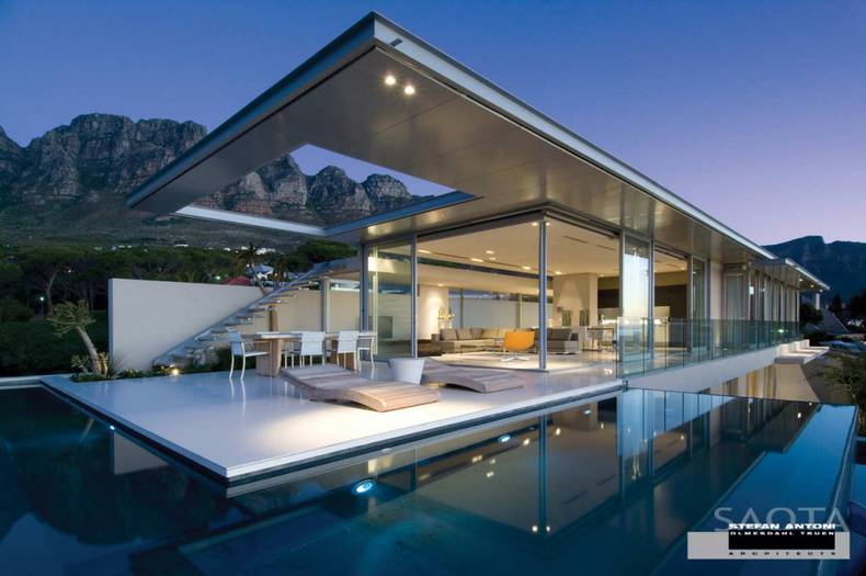 Breathtaking First Crescent House in South Africa