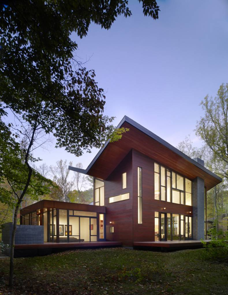 Forest dwelling: Harkavy Residence by Robert Gurney Architect