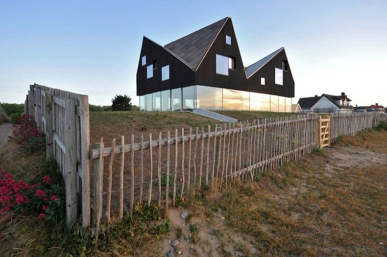 Dune House for rent in England