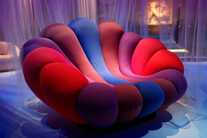 Colorful and Relaxing Anemone Chair by Giancarlo Zema