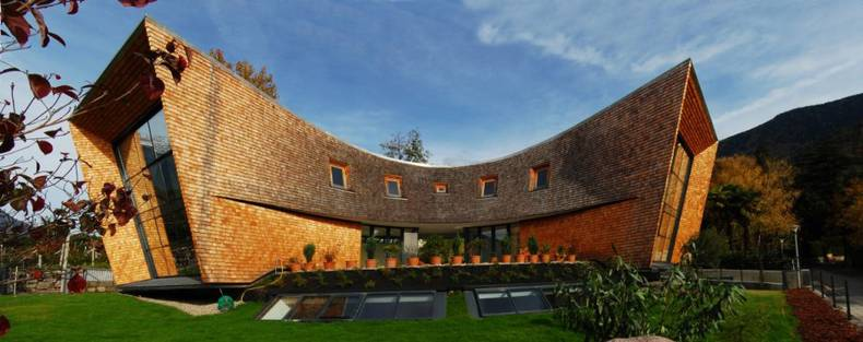 The Extraordinary Villa San Valentino by Stephan Unger