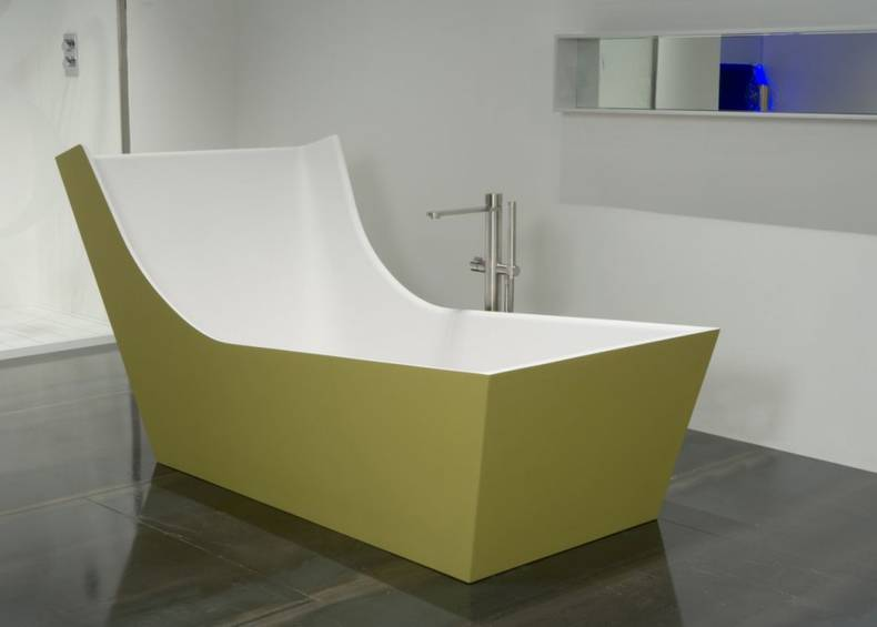 The CUNA Bathtub by Carlo Colombo