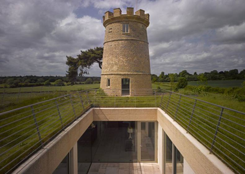 Renovation of Countryside Castle by De Matos Ryan