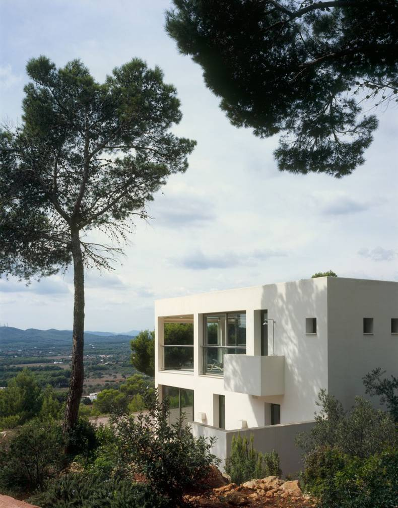 Country House in Ibiza by Blacam and Meagher Architects