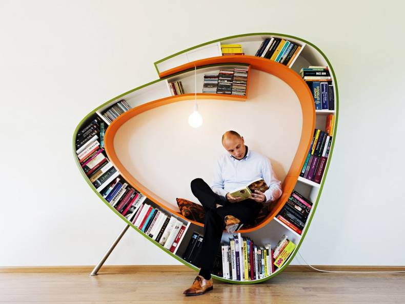 """Bookworm"": Shelf of an Unusual Shape by Atelier 010"