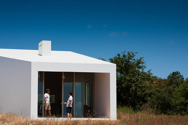 Down the Slope: the House in  Odemira by Vitor Vilhena Architects